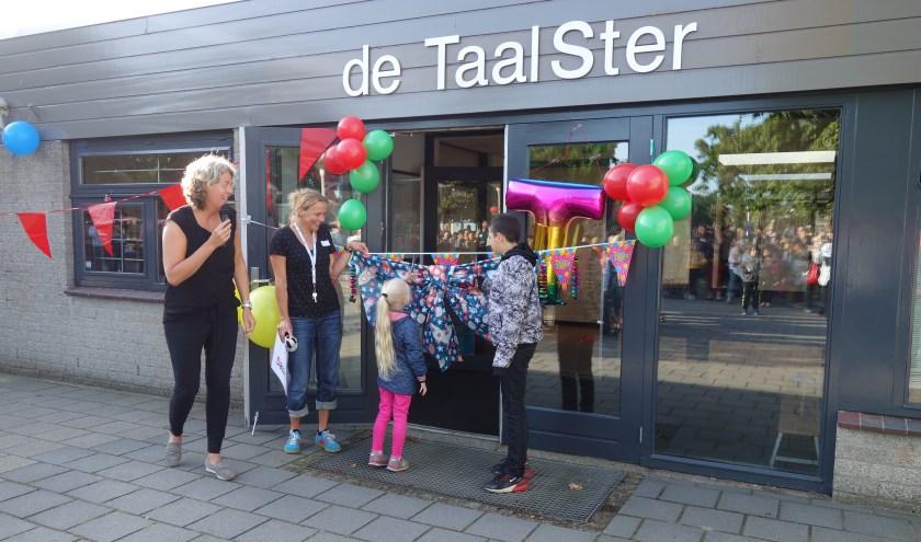 Leerlingen openen officieel de TaalSter - locatie IJsbeerstraat 31 in Nijmegen.
