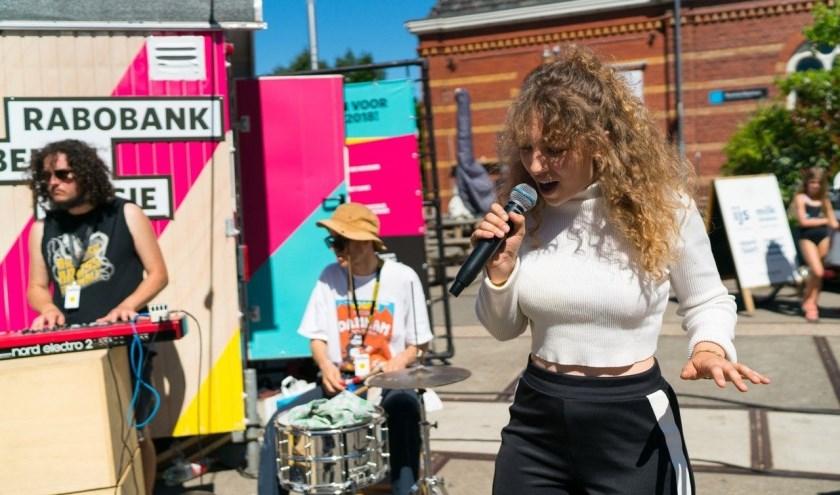 Het GO Waalwijk Festival biedt ruimte aan muzikaal talent uit de regio. Zo treden finalisten van Kunstbende Noord-Brabant op. Foto: Kunstbende