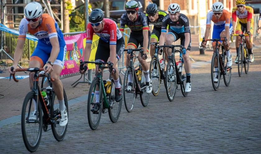 Robin Löwik in het rood-wit-blauw in de Ronde van Borne. Foto: Dick Soepenberg