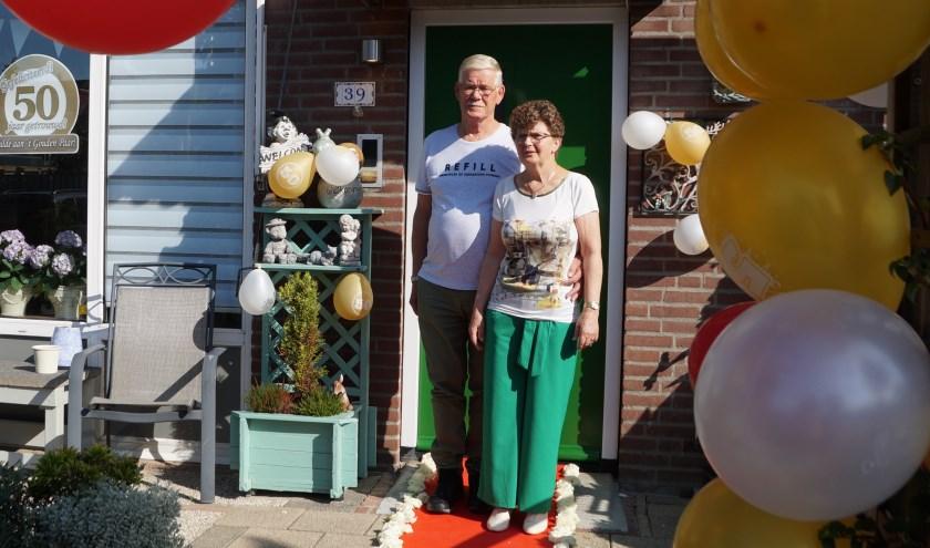Aart en Helma de Keizer zijn afgelopen week 50 jaar getrouwd. Na het feest gaan ze op huwelijksreis!