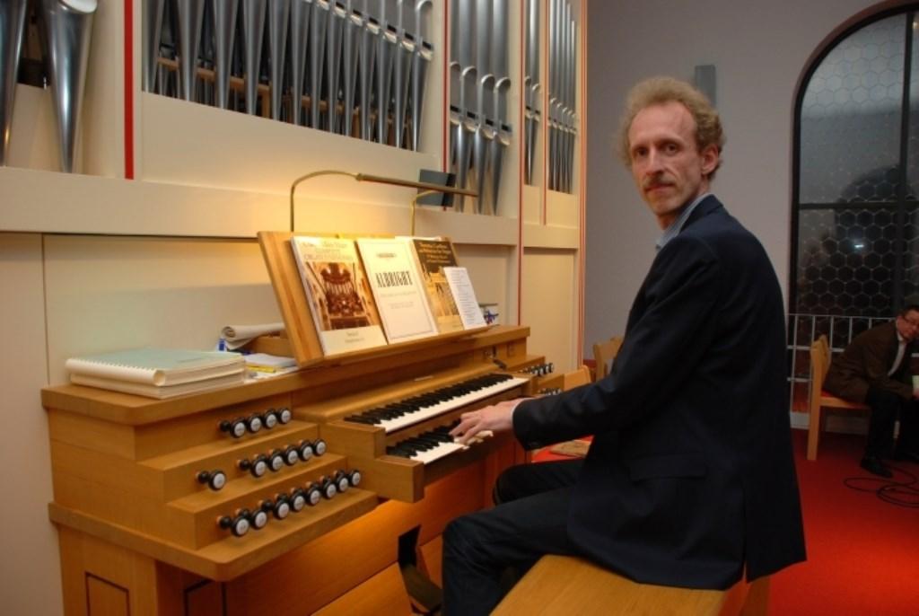 Christiaan van de Woestijne speelt werken van onder meer Stanford, Jongen en De Lange (jr.).  © DPG Media