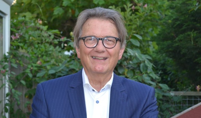 Dr. P. van Midden.
