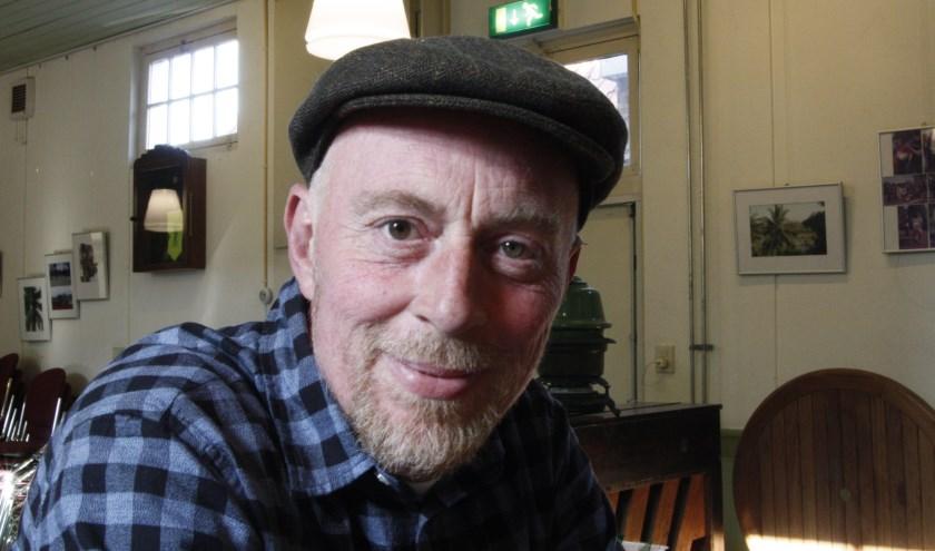 Harm Jan Wilbrink houdt in De Enk aan het Assendorperplein een serie bijeenkomsten over 'de oerleefstijl in deze tijd'.