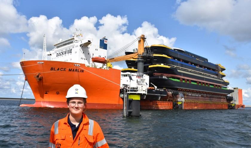 Julian Duijzer bij Black Marlin, een gigantische zeevaartschip. Julian voer mee van China tot aan Rotterdam.