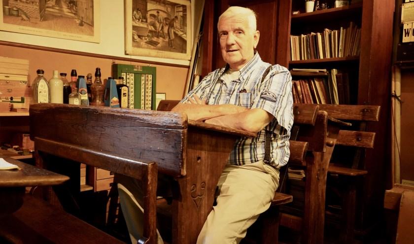 Het overdragen van zoveel mogelijk historische kennis is nog altijd het levensdoel van de 83-jarige Jan Anderson. Hij is daar al aardig in geslaagd. (Foto: Britt Planken)