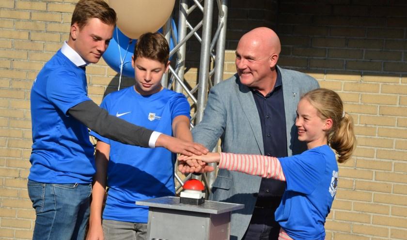 Astronaut André Kuipers heeft op 10 september samen met de eerste lichting leerlingen de nieuwe particuliere middelbare school Winford Academy Breda geopend.