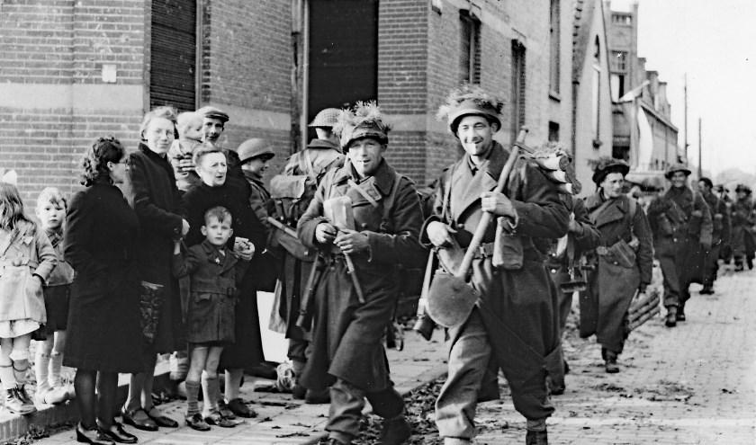 Foto Poolse soldaten in Gilze op 27-10-1944