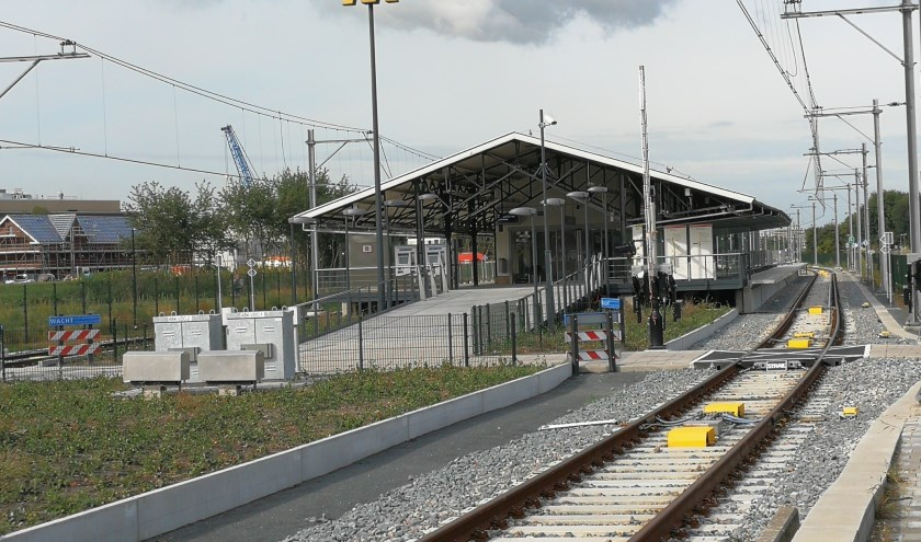 Het metrostation van Vlaardingen Centrum is nu nog verlaten, dat is na 30 september anders, als de metro gaat rijden (Foto:Peter Spek).