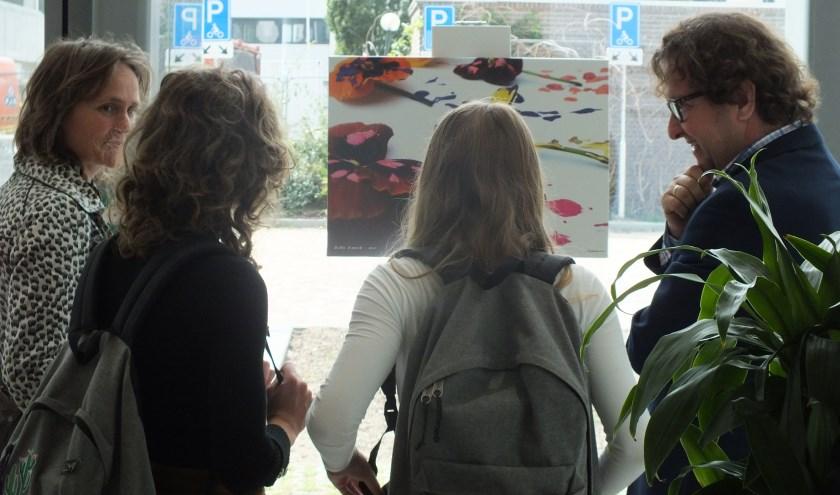 De expositie toont foto's gemaakt door leerlingen van het Minkema College in het kader van het 100-jarig bestaan van de school.  (Foto: Minkema College)