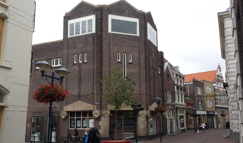 In de oude Monopole bioscoop gaat Saskia Smit op 13 september alles vertellen over de historie van Schiedamse filmzalen.