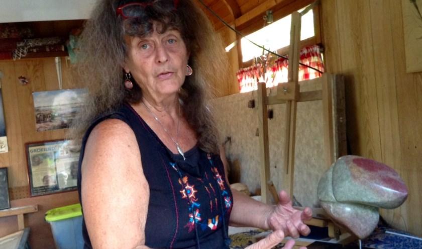 Sonja Bordewijk is een van de kunstenaars die tijdens 4 de Kunsten haar werk laat zien. foto: Lia Martinali