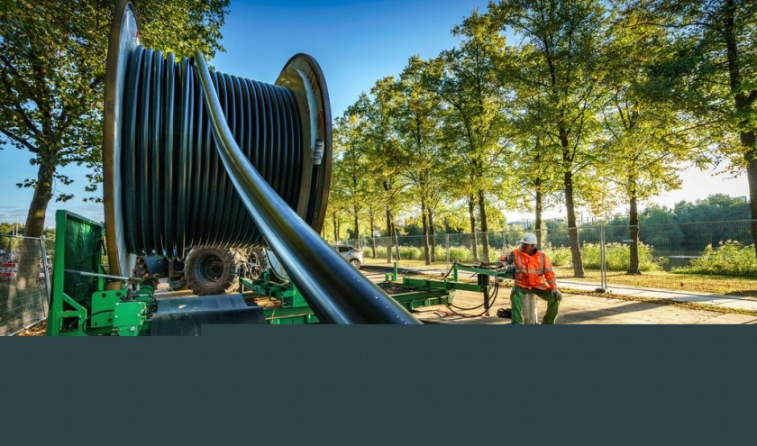 Voor de verkabeling in Oirschot worden sleuven gegraven, maar ook boren is mogelijk. Het bovengrondse station wordt ongeveer 2,5 hectare groot.