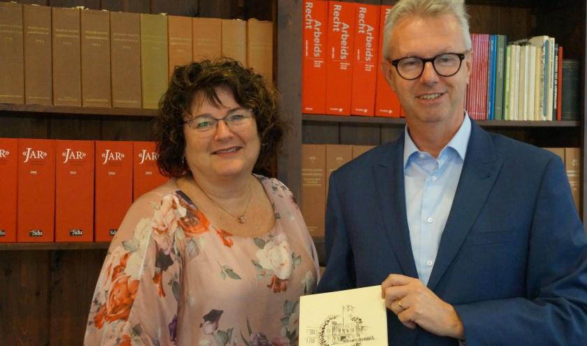Mariëtte van Slagmaat en Ino Derks besturen het Minkema Fonds dat het Minke College oprichtte. Zij maakten dat uiteraard niet mee maar weten er veel van door het boekje 50 jaar H.B.S.