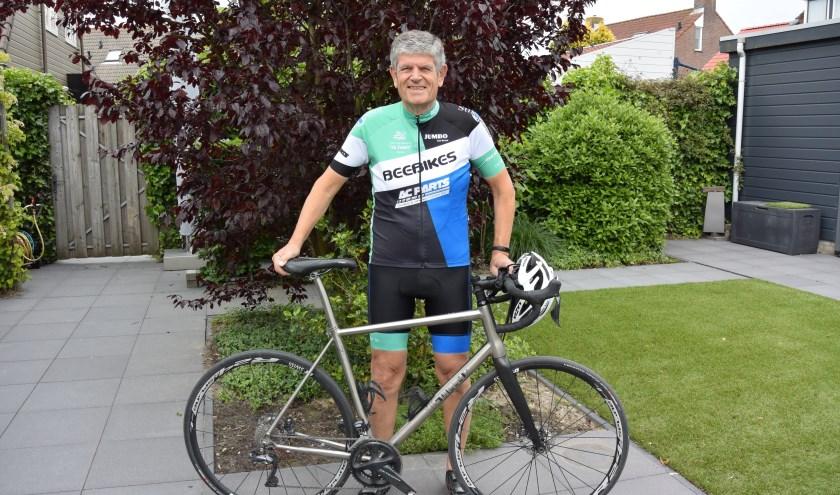 Jan van Riet met racefiets