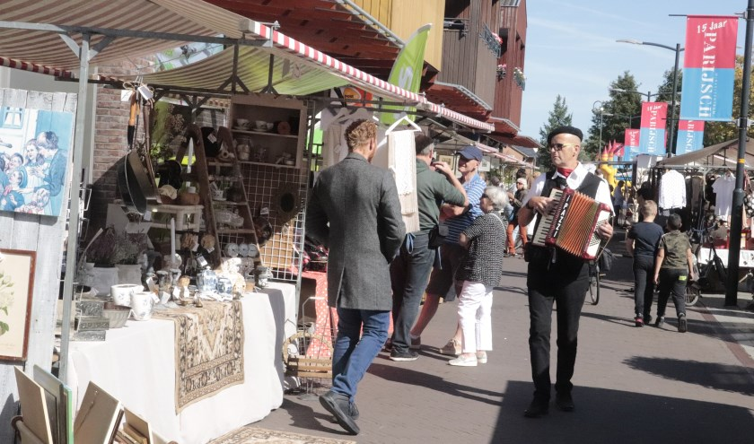 De Franse markt van de winkeliers van het Koopmansgildeplein was een succes.