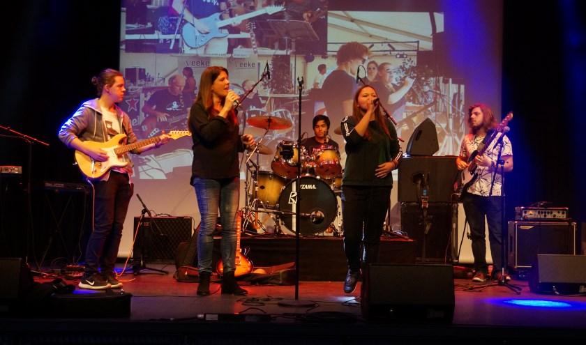 Zelf zingen of spelen in een band? De CKB Popschool gaat de uitdaging met je aan.