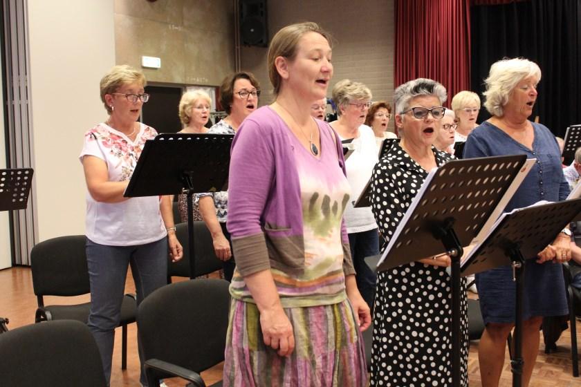 Het Nulands Gemengd Koor heeft het seizoen weer afgetrapt en heet nieuwe leden van harte welkom. Foto: Wendy van Lijssel