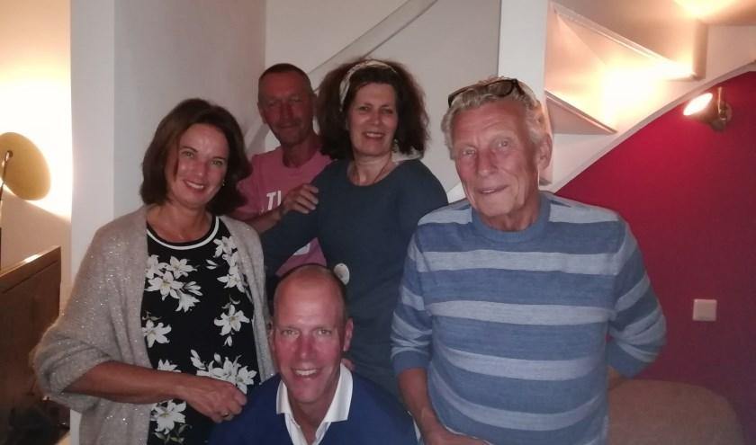 """Dit 5-tal 'Zeerovers uit 3Bergen' zwemmen zaterdag mee aan de WWF Sea Swim, een fondsweringsactie van het WNF om geld in te zamelen ter bestrijding van de 'Plastic Soup.' """"We gaan de Noordzee trotseren."""""""