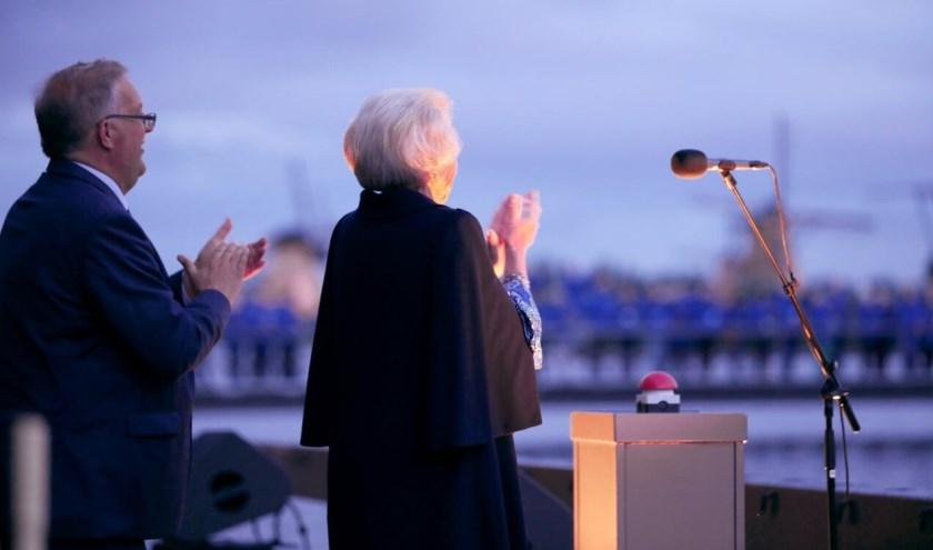 Prinses Beatrix opent nieuw bezoekerscentrum in Kinderdijk.