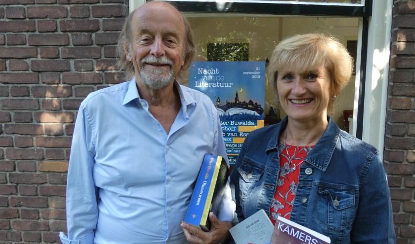 Guido de Wijs en Anja Bakker, twee van de organisatoren van de Nacht van de Literatuur.