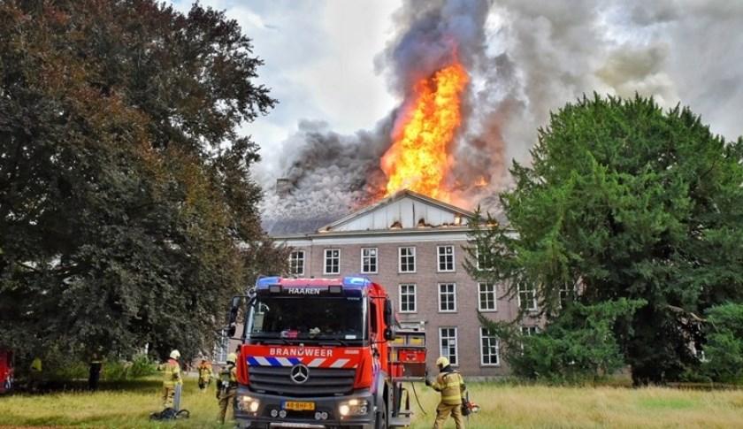 Verwoestende brand Haarendael in Haaren. Foto: PR