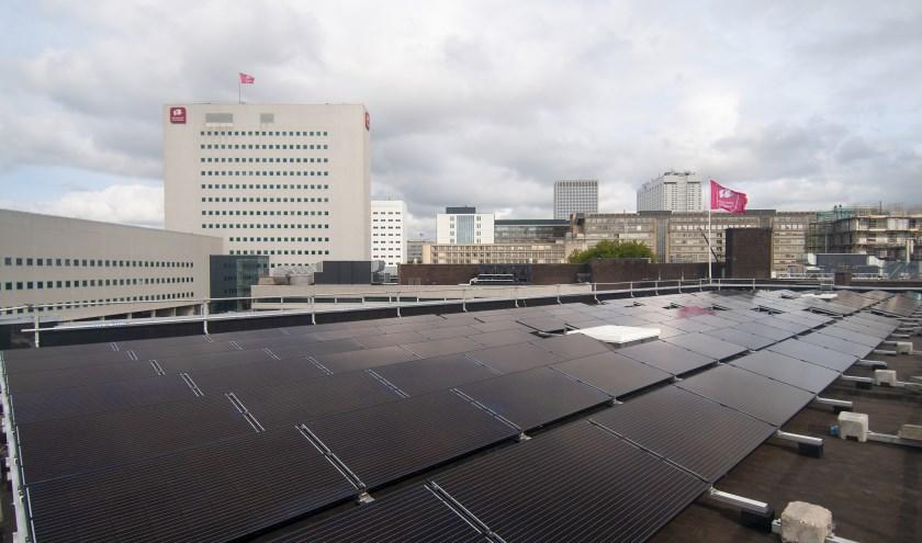 Met maar liefst 750 zonnepanelen is Hogeschool Rotterdam een stuk duurzamer geworden.
