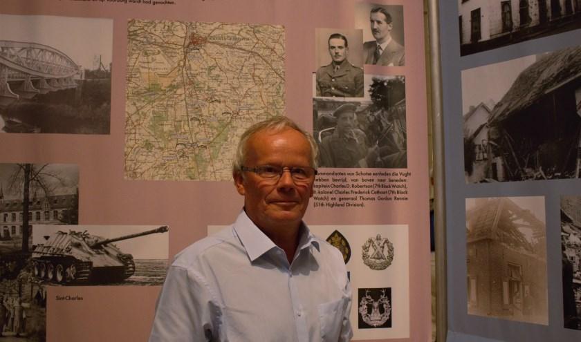 De zoon van de Schotse commandant Robertson was bij de opening van de expositie, waar ook een foto van zijn vader te zien is.