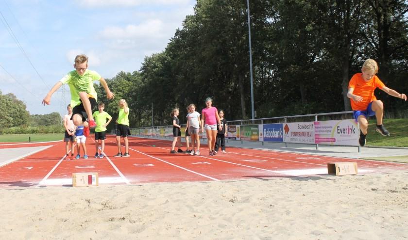 De kinderen maken in deze week kennis met veel verschillende sporttakken en -verenigingen.