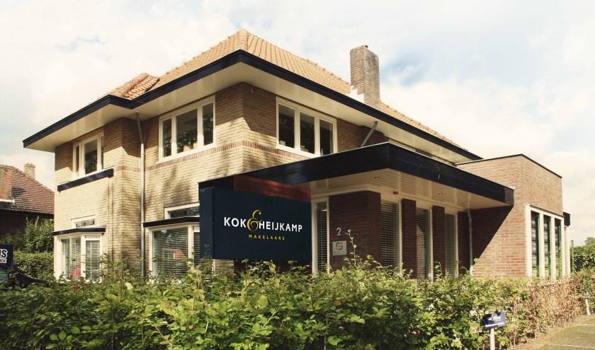 Het kantoorpand van Kok & Heijkamp Makelaars aan de Kroonlaan 2 in Nunspeet. (eigen foto)