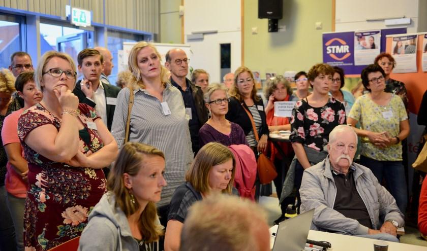 Ook inwoners uit de gemeente West Betuwe toonden veel belangstelling voor de informatieavond over het Sociaal Domein.