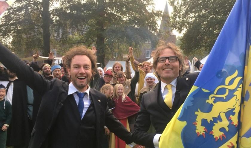 René Arendsen (links) en Bas Steman zijn weer terug als de Ridders van Gelre. Ze gaan ook een aflevering maken over de Liemers. (foto: PR)