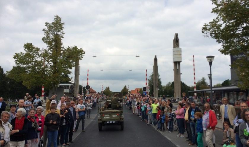 De herdenkingscolonne wordt tegen 11.30 uur in Aalst verwacht.