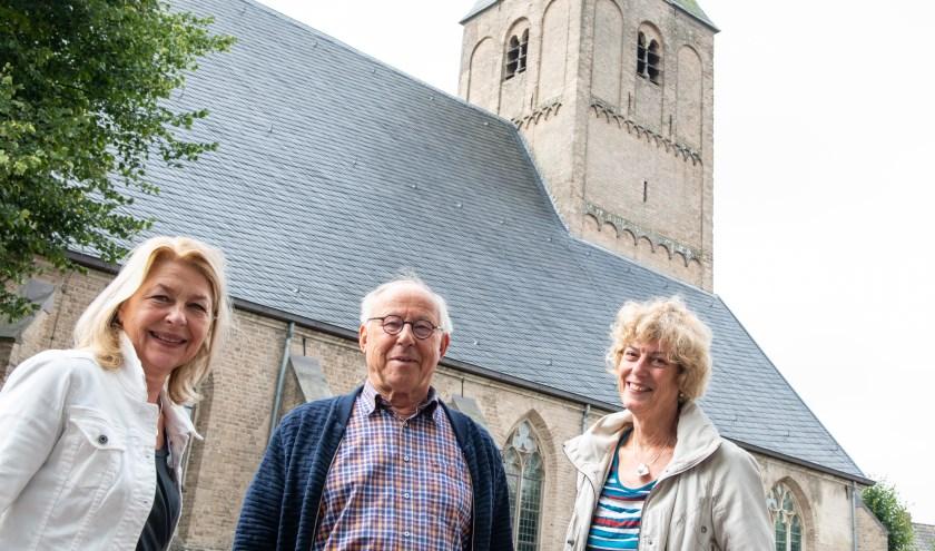 Riet Fennema, Ben Jonker en Hanneke Postma zijn drie leden van de onlangs opgerichte Stichting Eper Carillon (SEC). Foto: Dennis Dekker