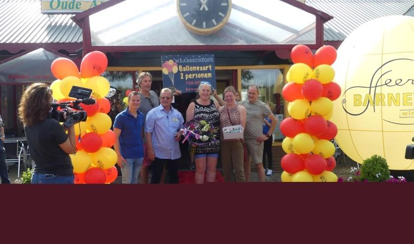 De Belgische nichtjes Tine en Marleen Ceyssens kregen ook een tegoedbon voor een ballonvaart.