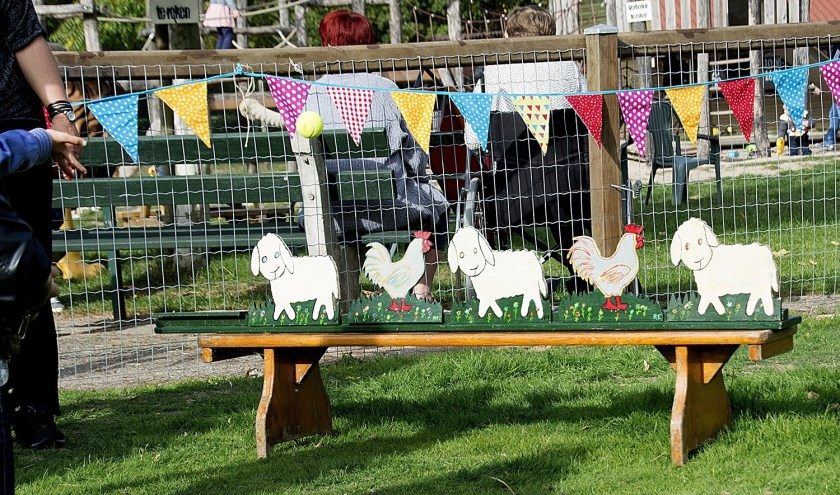 Tijdens het najaarsfeest op kinderboerderij Rosorum kunnen er onder andere leuke spelletjes worden gespeeld. (foto: Marijke de Both)