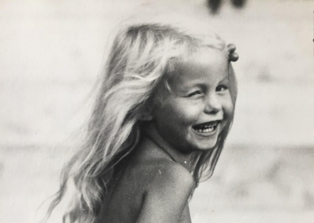 De geboren Dordtenaar won een fiets bij een tekenwedstrijd toen ze 8 jaar oud was. 42 jaar later zit het er nog steeds in!  © DPG Media