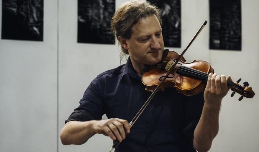Met Liqa realiseert artistiek orkestleider Wouter Vandenabeele (viool) een logische voortzetting van project GFVP+.