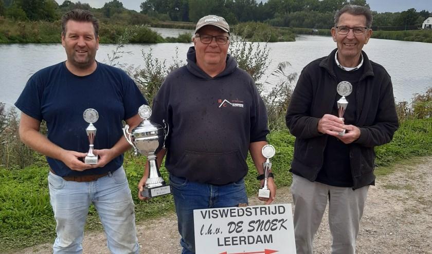 V.l.n.r.: Ton van Kooten, winnaar Paul Reiche en Nico Middag. (Foto: Privé)