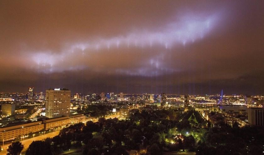 Foto van het verlichten van de brandgrens uit 2007.