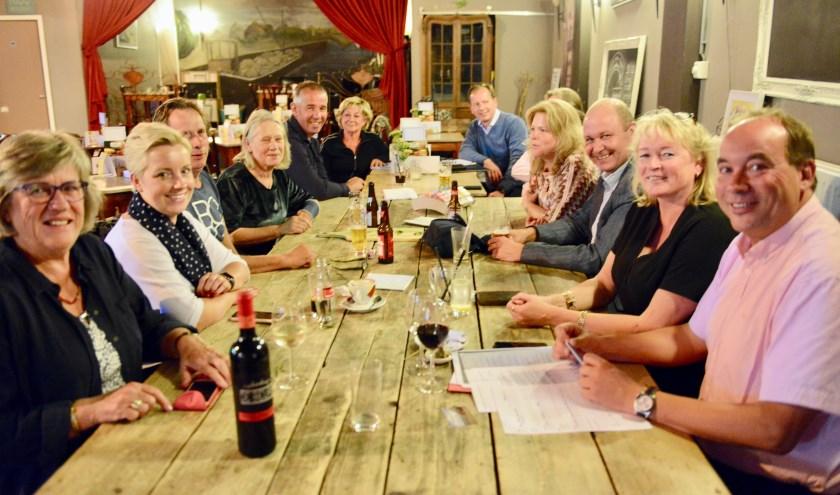 Alle mannelijke leden van Rotary Club Geldermalsen-Waalkant zijn gelukkig met inbreng van de vrouwelijke leden.