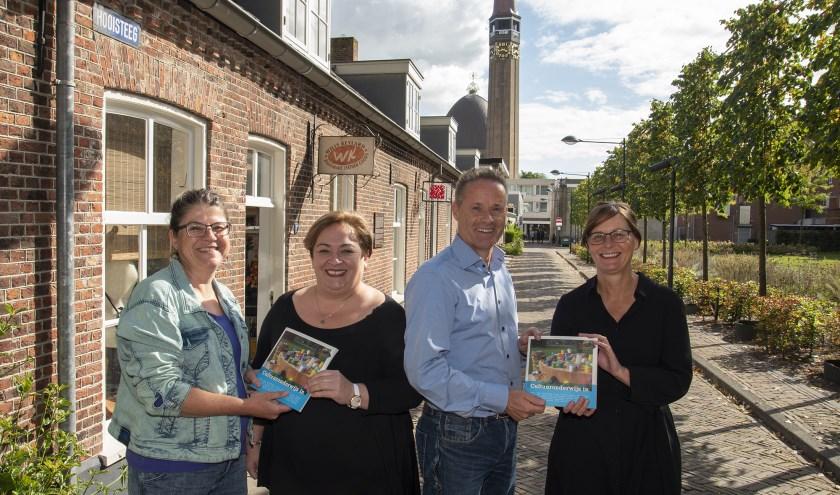 Op de foto staan van links naar rechts Suzanne Vreeburg, Dilek Odabasi-Seker, John van den Hoven en Maaike van den Brule.