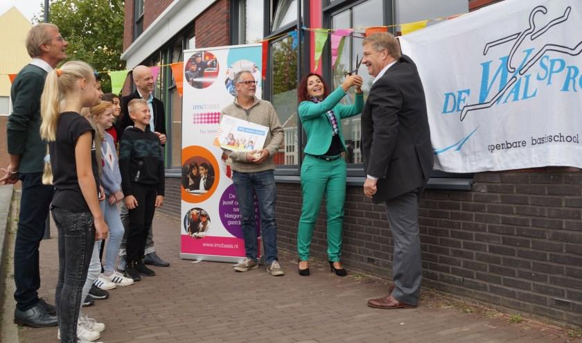 Om het programma te vieren werden er vijf muurschilden onthuld door wethouder Adrie Bragt en Esmée Smit, voorzitter College van Bestuur van Stroomm.
