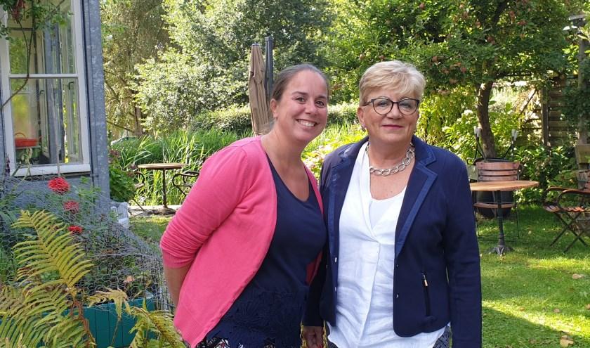 Annemieke Schipper en Riet Middelhoek hebben een mooi programma samengesteld voor Alzheimerdag Zoetermeer.. Foto: Robbert Roos