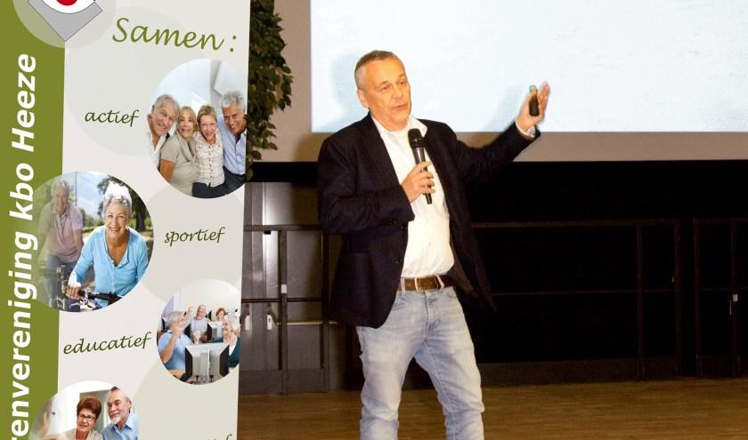 Harrie van de Ven verzorgde de biljartclinic.