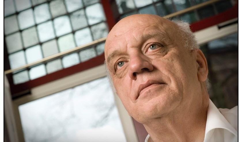 Journalist Hans van den Eeden verzorgt twee lezingen over de bevrijding van Heusden, Vlijmen en Nieuwkuijk. Foto: Kees Beekmans/Verbeeld