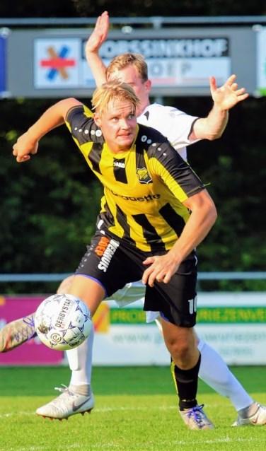 Nieuwkomer Menno Kamphuis was goed voor de assist bij de 1-0. Foto: Jeroen Tempert.