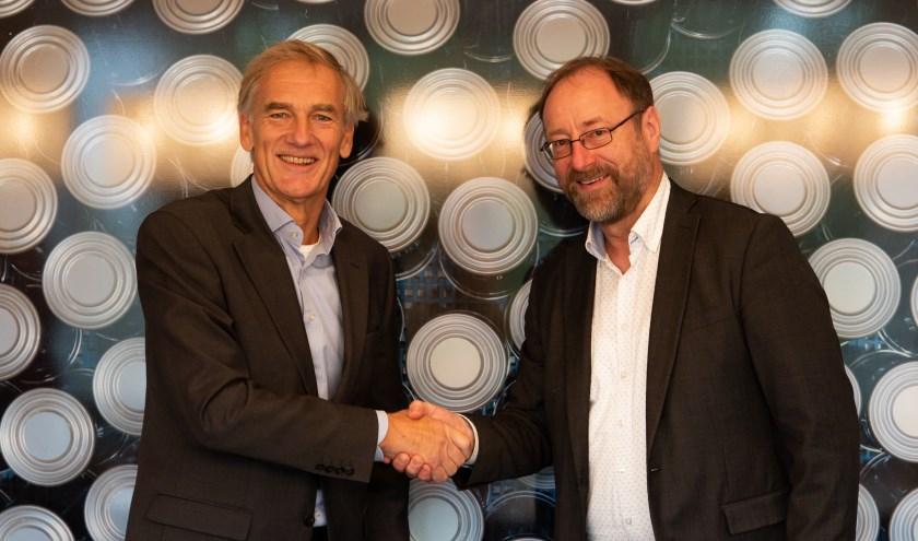 Deze week tekenden CEO Woep Möller en directeur Garrelt Verhoeven van Deventer Verhaal de sponsorovereenkomst op het hoofdkantoor van Trivium Packaging aan de Zutphenseweg.