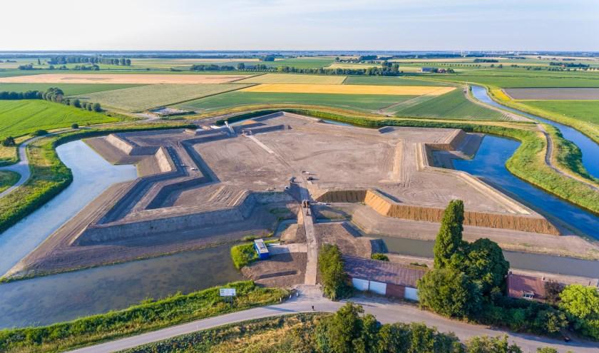 Fort Henricus, gelegen aan de Schansdijk, is eigendom van Natuurmonumenten. Tijdens de officiële opening is er speciale aandacht voor de uitkijktoren. Foto: Niek Perdaems.