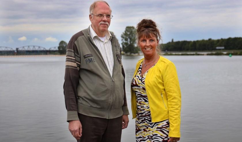 Petra Vermeulen en Bernard Huberts zijn beide lid van het comité open monumentendagen Grave. (foto: Marco van den Broek)