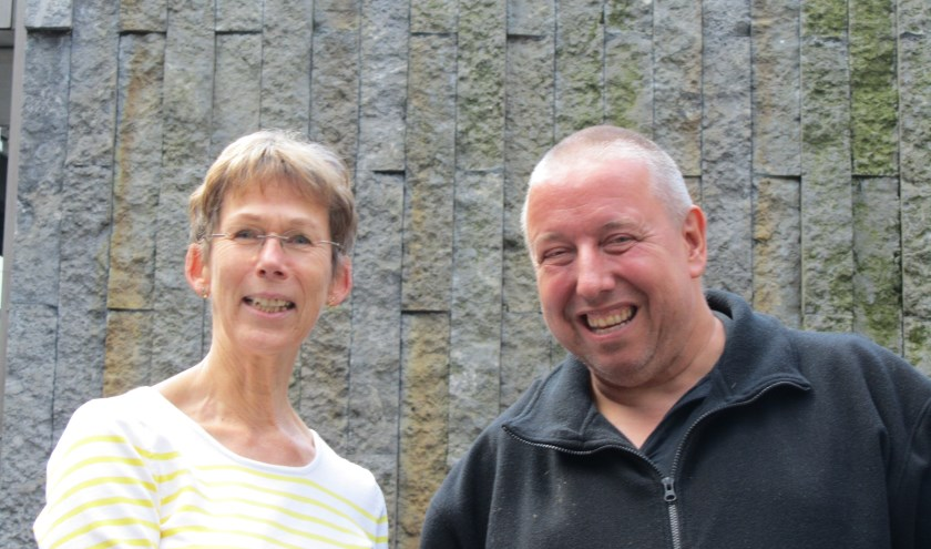 Mia van Dijk, consulent Steunpunt Mantelzorg van de LEVgroep Deurne en Henk Driessen organiseren symposium voor mantelzorgers